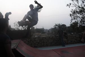 JonPerkins_201510_skateboard_Egypt_DSCF6376